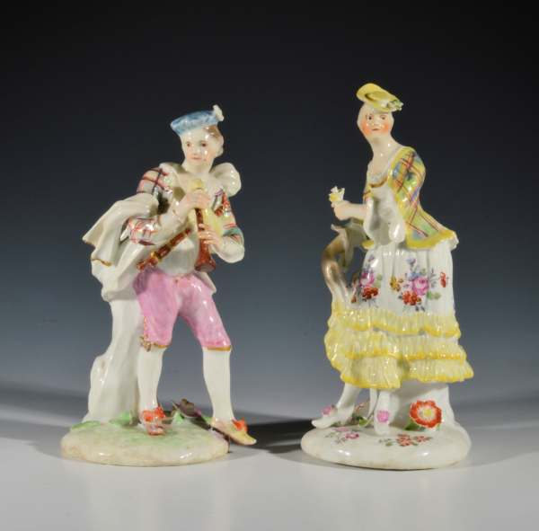 ANTIQUE PAIR OF DERBY PORCELAIN FIGURES OF A BAGPIPER AND COMPANION