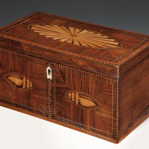 ANTIQUE KINGWOOD TEA CHEST