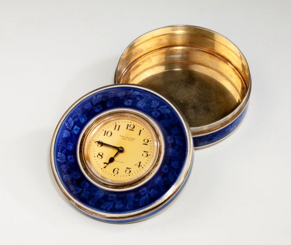 box-clock-guilloche-enamel-silver-gilt-large-Black-Star-Frost-New-York-French-antique-4417_