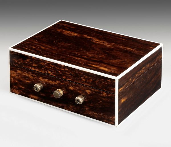 ANTIQUE COROMANDEL CIGAR BOX