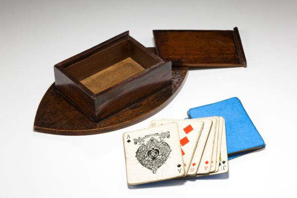 cribbage-board-treen-oval-card-box-18th-century-antique-5004_1_5004