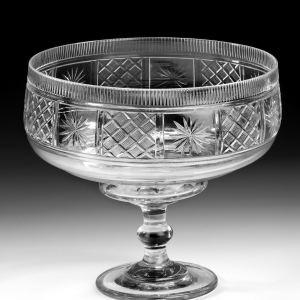 ANTIQUE IRISH CUT GLASS FRUIT BOWL