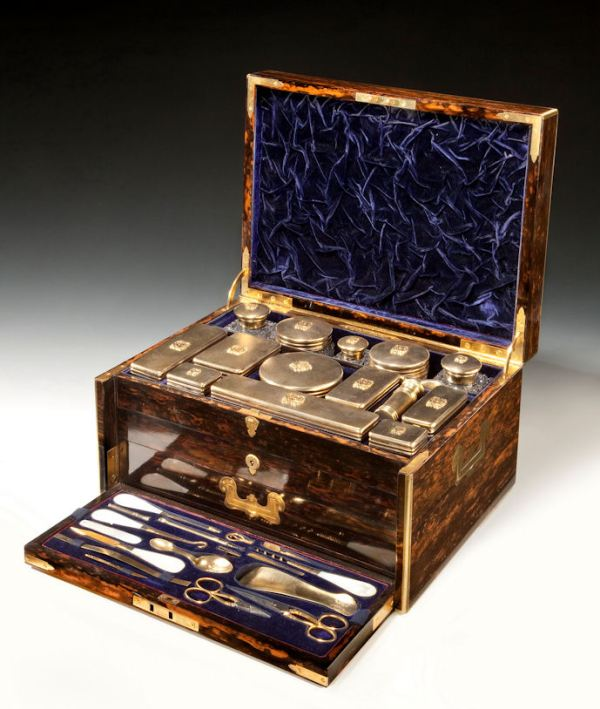 EXCEPTIONAL LADIES SILVER GILT DRESSING CASE BY LEUCHARS