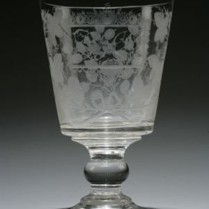 ANTIQUE ENGRAVED GLASS RUMMER
