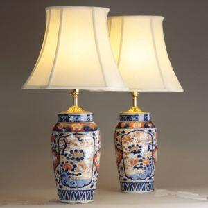 ANTIQUE PAIR JAPANESE IMARI VASES AS TABLE LAMPS