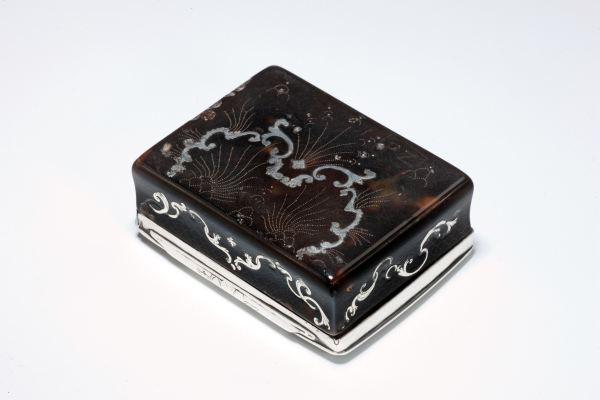 snuffbox-tortoiseshell-silver-pique-antique-rococo-4774_1_4774