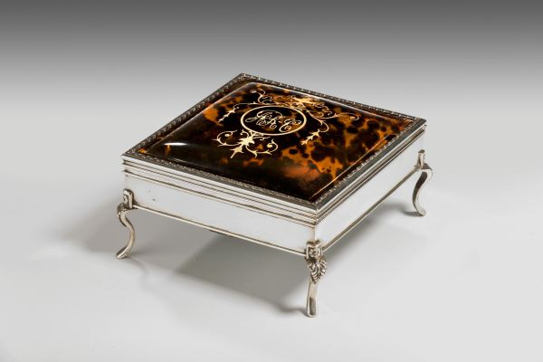ANTIQUE SILVER AND TORTOISESHELL RECTANGULAR BOX
