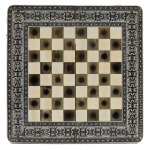 FINE VIZAGAPATAM IVORY CHESS AND BACKGAMMON BOARD