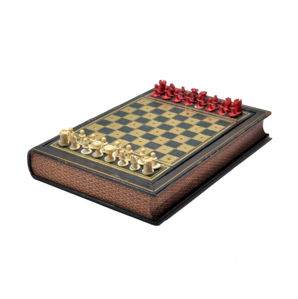 THE STAUNTON LEGACY TRAVELLING CHESS SET