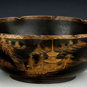 LARGE JAPANESE BOWL