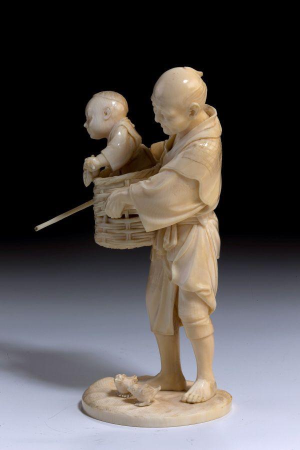 ivory-okimono-Japanese-father-son-chickens-antique-meiji-5492_1_5492