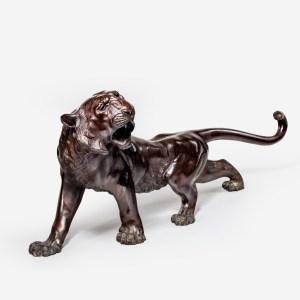 ANTIQUE JAPANESE BRONZE FIGURE CROUCHING TIGER BY SEIYA