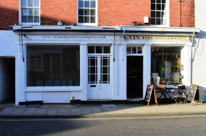 Richard Gardner Antiques showroom in Emsworth Hampshire