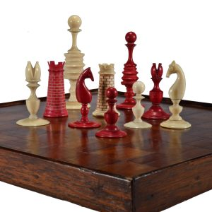 ANTIQUE WASHINGTON PATTERN IVORY CHESS SET