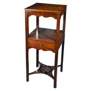 ANTIQUE GEORGIAN MAHOGANY BEDSIDE TABLE