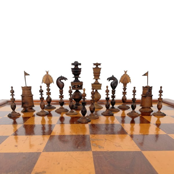 antique-chess-set-ivory-brown-white-anglo-indian-vizagapatam-IMG_3444