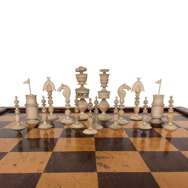 antique-chess-set-ivory-brown-white-anglo-indian-vizagapatam-IMG_3446