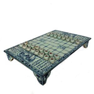 FIND ANTIQUE CHINESE PORCELAIN CHESS BOARDS AND SETS FOR SALE IN UK