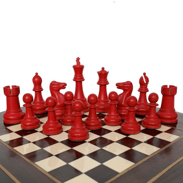 jaques-staunton-lacquered-chess-set-red-white-boxwood-green-label-IMG_3487