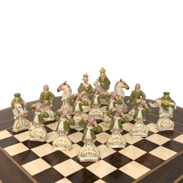 meissen-chess-set-porcelain-kaendler-vintage-bust-type-IMG_4601a