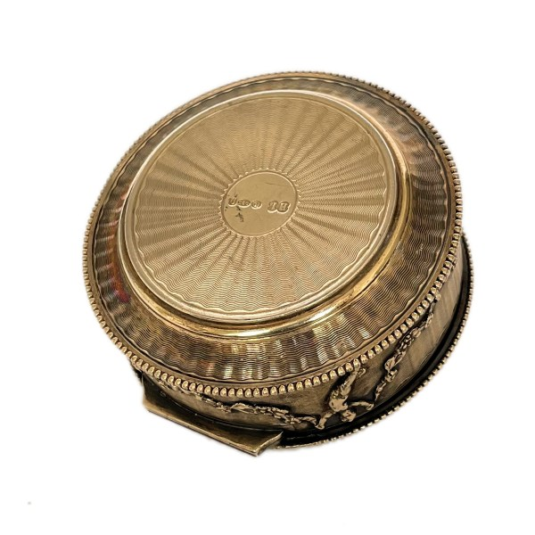 antique-silver-gilt-engine-turned-pill-box-IMG_6844a