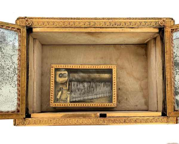 antique-palais-royal-music-box-necessaire-gilt-bronze-mother-of-pearl-IMG_6911