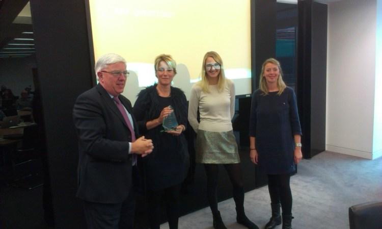 Accolade receive their award from Marthin White