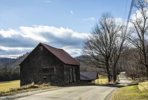 Barn on back road to Brattleboro