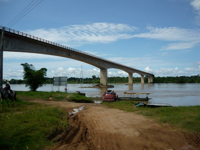 The bridge linking Meta to Guaviare