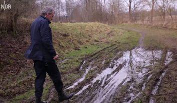 mossad spies stuck in mud