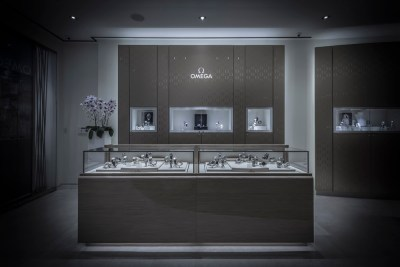 32 OMEGA BOUTIQUE SOUTH COAST PLAZA BY RICHARD HART