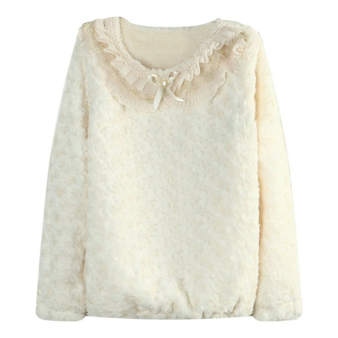 Trendy Pullover with Flowers