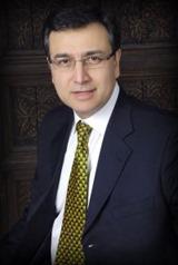 Moeed Pirzada Popular Pakistani TV anchor