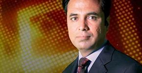 Talat Hussain popular Pakistani TV anchor