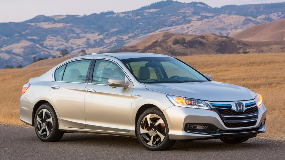 Honda Accord Plug In. Luxurious car