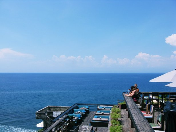 single-fin-bali-bar-uluwatu