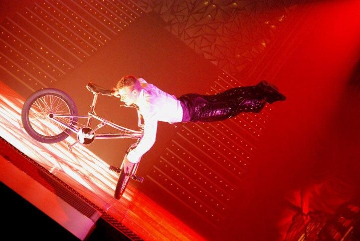 foldváry-balazs-bmx-akrobata-cirkuszi-kavalkad02