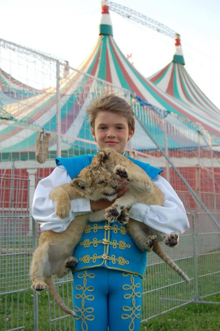 Kevin oroszlánokkal