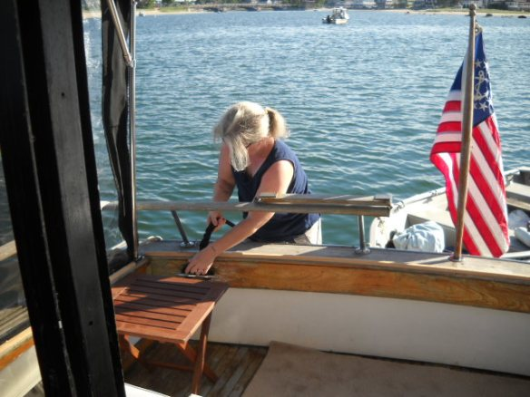 Getting the dinghy ready for towing.