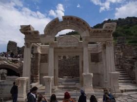 Храмът на Адриан