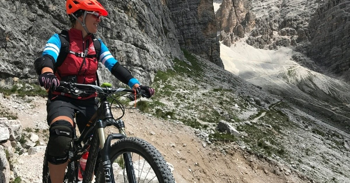 cortina in mountain bike panorama Valon de Tofana