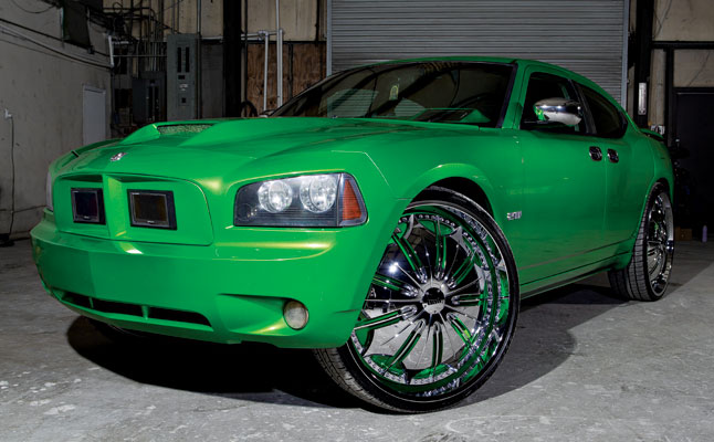 rides cars 2008 Dodge Charger R/T
