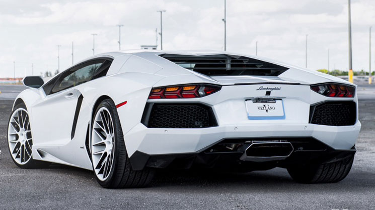 Vellano-WHiTe-Aventador-mc-customs-rides-lp-700-4-vkk-trent-williams