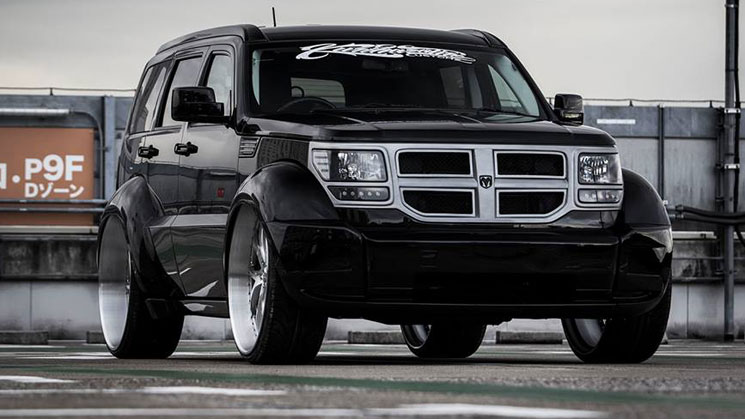 dodge nitro widebody 28-inch lexani wheels rims deep lip japan kurihara tire customz ナイトロ ワイドボディ