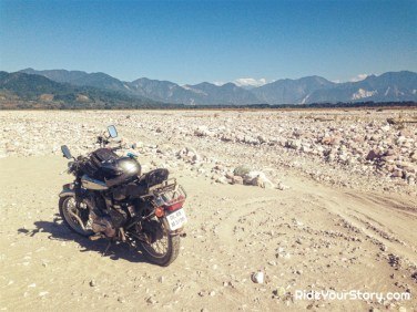 vast river bed of Siang, name for Brahmaputra River in upper stream