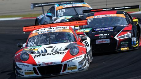 Three Porsche 911 GT3 R in a tip ten