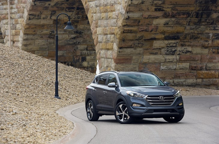 HYUNDAI TUCSON AND SONATA EARN IIHS TOP SAFETY PICK+ AWARDS