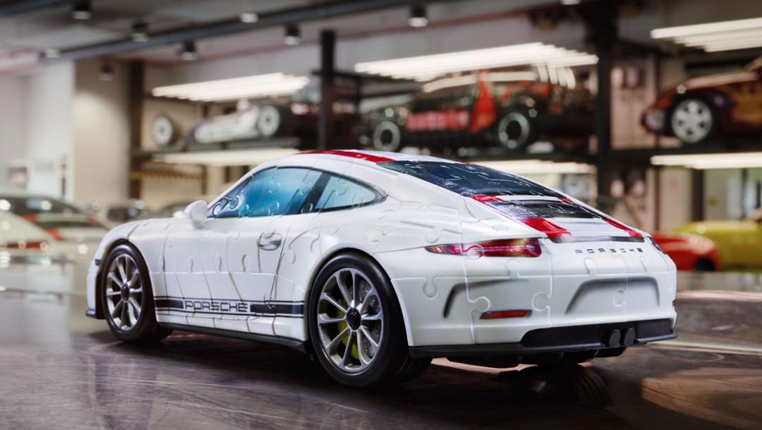 3D nonplus of a 911 R, fondle manufacturer Ravensburger, 2018, Porsche AG