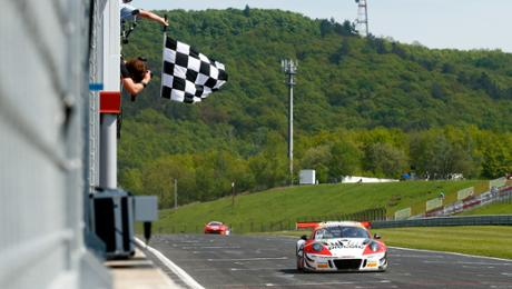 Porsche 911 GT3 R defends array lead