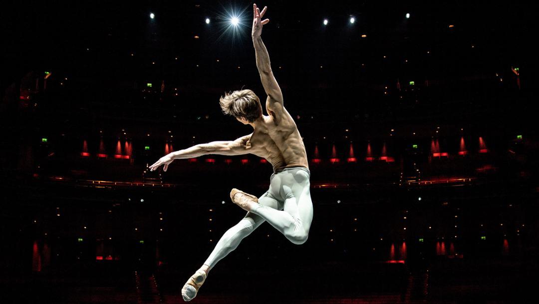 Friedemann Vogel, ballet dancer, Stuttgart Ballet, 2019, Porsche AG
